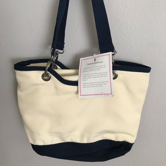 thirty-one Handbags - Canvas Crew Thermal Tote by Thirtyone BRAND NEW!!